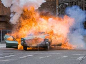 CM-Exploding Car